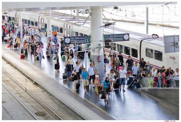 Renfe eleva un 3,6% su oferta de plazas para viajar en Navidad