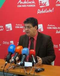 Valderas rehúsa hacer valoraciones sobre el acuerdo de gobierno en Cataluña hasta que no conozca