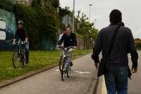 El Ayuntamiento modifica la Ordenanza de Convivencia para regular la circulación de ciclistas por calles peatonales