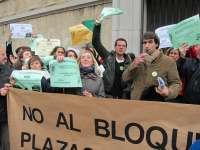Los profesores ayudantes doctores protestan por su situación de
