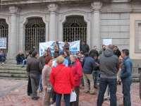 Trabajadores de Emtusa van a la casa del alcalde y piden la figura de un mediador para lograr un acuerdo