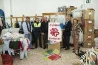 La Policía Local de Cartagena entrega a Cáritas más de 1.200 prendas fruto de los decomisos