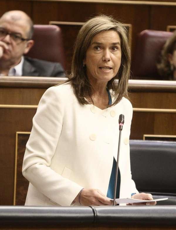 Mato replica al PSOE que las CCAA que gobierna tienen más servicios esenciales privatizados
