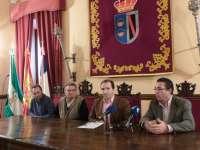 Almonte cambiará las uvas por frambuesas para recibir el 2013 en directo con Andalucía