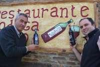 Una bodega crea el vino 'Malafollá' en alusión al tópico sobre el carácter granadino