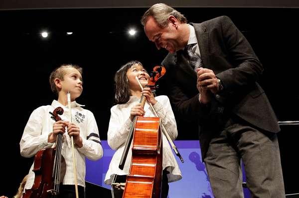 Fabra apuesta por la educación musical como herramienta contra el fracaso escolar en la Comunitat