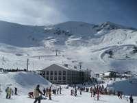 Valdezcaray ha abierto este lunes diecisiete pistas de esquí en 11,3 kilómetros esquiables