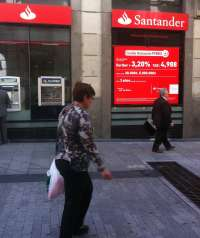 Santander se adjudica el servicio bancario y de apoyo a la gestión administrativa de la DGT por 1,3 millones