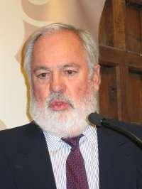Arias Cañete dice que ley de la cadena alimentaria recoge algunas sugerencias de Competencia