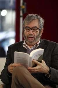 Artistas y escritores piden al escritor jiennense Antonio Muñoz Molina que no acuda a recibir el Premio Jerusalén