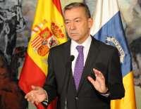 Rivero dice que alterar el 50% del descuento en los billetes colocará a Canarias