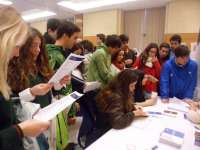 Cientos de preuniversitarios se interesan por la oferta de la UMA en Unitour