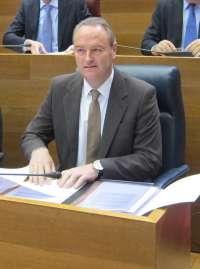 Fabra pide comparecer en las Corts para responder a preguntas de interés general de los grupos