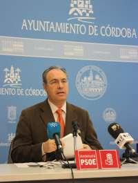 El PSOE pide la dimisión del edil de Empleo porque el gobierno local está