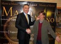 Manuel Díaz 'El Cordobés' y Juan y Medio abren el primer 'Mano a mano' dialogando sobre el toro y la televisión