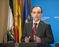 Junta pide al Gobierno que ponga los instrumentos necesarios en la balanza contra el ERE en Iberia