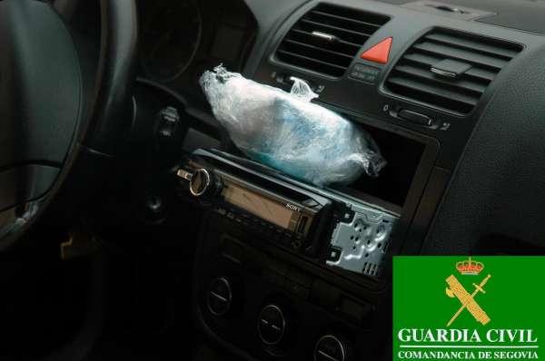 Detenidas en Segovia dos personas con 312 gramos de cocaína ocultos junto a la radio del coche