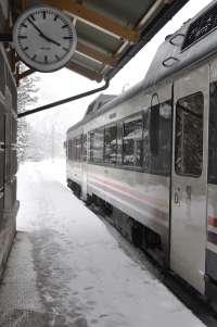 Restablecida la circulación de trenes de media distancia en el tramo Jaca-Canfranc