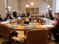 (AMP)La oposición fuerza que Feijóo se pronuncie en la Cámara sobre los casos de