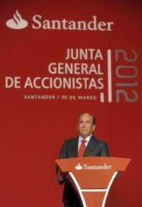 Botín rebajó su remuneración total un 32% en 2012 y Sáenz un 29%, tras recortar sus bonus un 50%