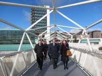 La pasarela del Museo de la Ciencia de Valladolid sustituye la madera por aluminio tras una inversión de 180.000 euros