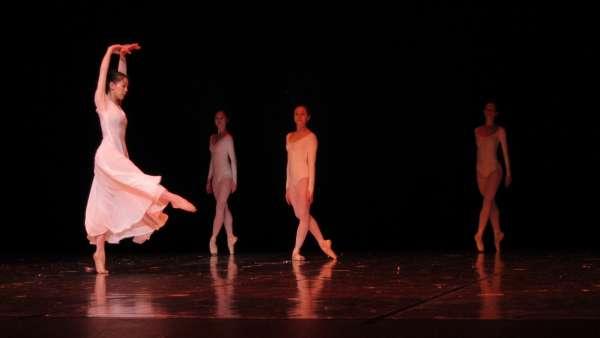 El Ballet de Leipzig lleva al Calderón de Valladolid 'La Gran Misa', en la que reflexiona sobre la pérdida de la fe
