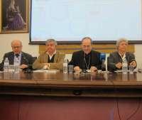 Asenjo presenta la guía de los servicios sociales de la Iglesia para que