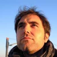 El poeta murciano Juan Manuel Sánchez visita este lunes el ciclo de los 'Lunes Literarios' del Café Zalacaín
