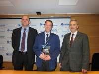 El doctor José Sabán aborda los problemas y tratamiento de la hiperglucemia intrahospitalaria en una publicación