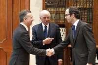 El lehendakari se reúne con el presidente del BBVA en la ronda de contactos con los agentes socio-económicos