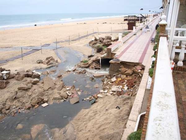 Aqualia-matalascañas-vertido-playa-paseo-aguas residuales