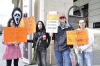 Trabajadores de Unipost se manifiestan contra el ERTE, que afecta a 200 personas en la ciudad