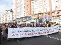 Afectados por las preferentes dicen a Liberbank 'No al canje, sí a la pasta'