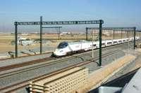 La línea de AVE hacia el Norte por Valladolid pierde un 3,3% de viajeros en 2012
