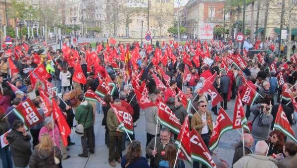Miles de andaluces se suman a las movilizaciones de la Cumbre Social contra
