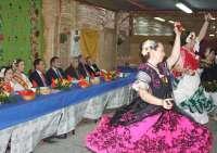 El alcalde de Murcia preside la inauguración de las barracas acompañado por las Reinas de la Huerta 2013