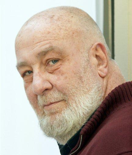 César Mallorquí.