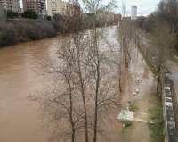 Continúa la búsqueda en superficie del joven que se metió en el río Pisuerga en Valladolid