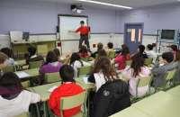 Más de 17.000 alumnos navarros participan en las acciones de educación vial de la Policía Foral durante 2012