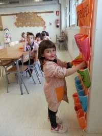 Una escuela leridana recupera las servilletas de tela para ahorrar 35.000 servilletas de papel