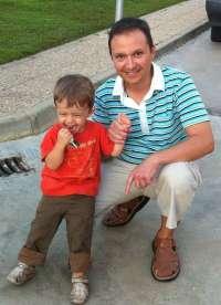 Bretón irá el miércoles a juicio por malos tratos a su hijo tras rechazar el juez una suspensión