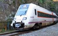 Concentración este viernes en la estación de Renfe de la capital en defensa de la línea Huelva-Jabugo