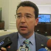 Los grupos parlamentarios no llegan finalmente a un acuerdo para condenar los escraches en el Parlamento extremeño