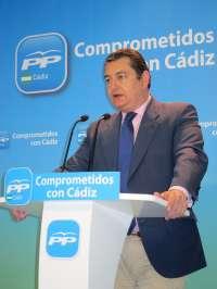 Sanz (PP) muestra su