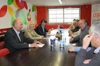 El sector frutícola pide al Estado ampliar el horario de la aduana Edullesa