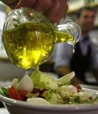 Los extremeños se gastan una media de 23,25 euros por persona al año en consumo de aceite