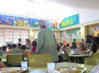 El consejero canario de Educación prevé que se inscriban entre 6.000 y 8.000 niños a los comedores escolares este verano