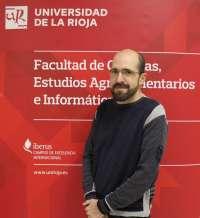 Juan Antonio Blanco, nuevo doctor por la UR con una tesis sobre el aclareo mecánico como técnica para dar uva de calidad