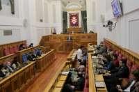 Las Cortes debatirán este jueves sobre desahucios, la racionalización de la Administración Pública y el 'fracking'