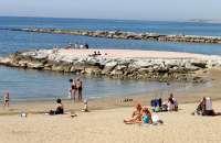 Costas aportará 100.000 metros cúbicos de arena al litoral de la Axarquía en este año